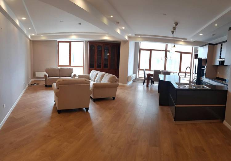 ID 21, Khoroo 1 байршилд for sale & rent зарын residential Apartment төсөл 1